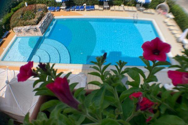 home-piscina